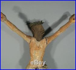ANCIEN CHRIST EN BOIS SCULPTÉ POLYCHROME ART POPULAIRE XVIIIème SIÈCLE