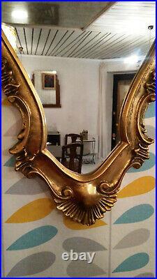 Ancien Cadre Miroir en bois doré sculpté de style baroque