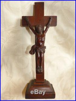 Ancien Christ en Bois Sculpté Epoque XVIII eme Crucifix