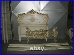 Ancien Lit Sculpté De Style Louis XV Vénitien En Bois Peint Et Doré-1 Place-n°2