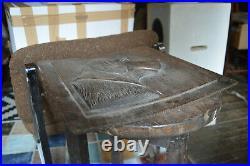 Ancien Panneau Bas Relief Bois Sculpté Chien de Chasse Epoque 1920/30 36x36cm