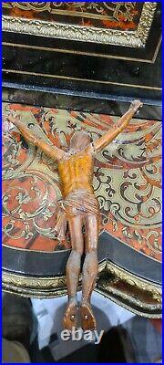 Ancien christ en bois sculpté 18ème