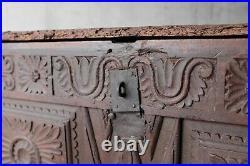 Ancien coffre auvergnat sculpté XVIIème, art populaire, montagne
