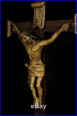 Ancien crucifix en bois sculpté vers 1800 / Christ XVIIIe Memento Mori Crane