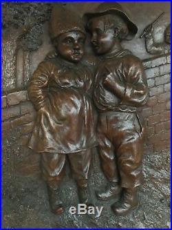 Ancien panneau en bois sculpté enfants époque 1900 foret noire old carved panel