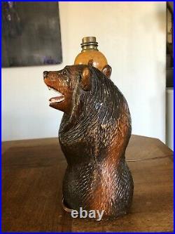 Ancienne Jolie Lampe En Bois Sculpté Représentant Un Ours Forêt Noire