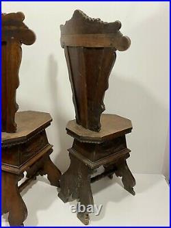 Ancienne Paire de chaise Bois Sculpté Forêt Noir Château A voir