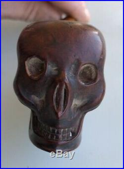 Ancienne Pipe En Bois Sculpté En Forme De Tête De Mort Crne
