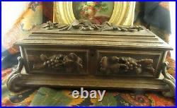 Ancienne boite coffret foret noire black forest XIXe bois sculpté de vegetaux