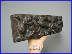 Ancienne panneau en bois sculpté bas relief du 18e. Putto