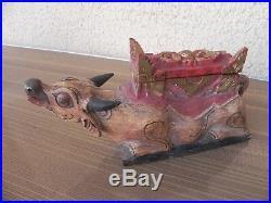 Ancienne sculpture, boite à offrande en bois sculptée vache sacré hindoue asie