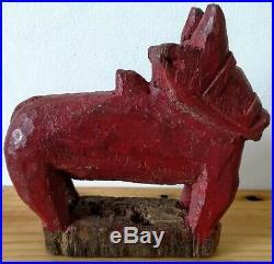 Animal sculpté en bois très ancien, chine