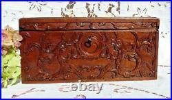BOITE ANCIENNE, ANCIEN COFFRET en BOIS SCULPTÉ CHINE vers 1900 avec sa CLÉ