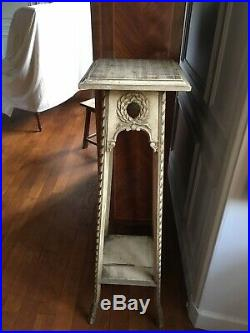 Belle et grande sellette ancienne en bois finement sculpté, deux plateaux