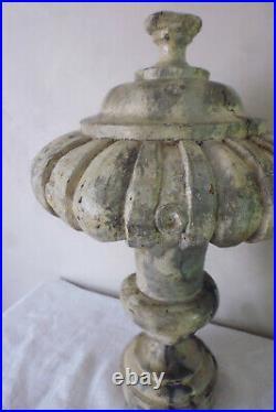 Bois boiserie sculpté marbré style medicis ancien architecture Renaissance XVIIe