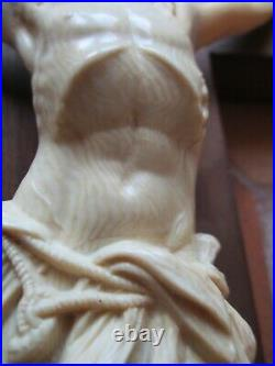 CRUCIFIX ANCIEN CHRIST SCULPTE sur CROIX en BOIS FIN XIX ème 47cm DIEPPE