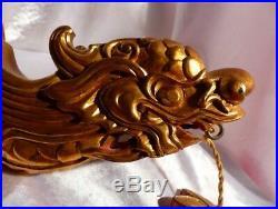 Chine Ancienne Paire d'Appliques Murales Au Dragon Bois Sculpté Laqué Rouge Or