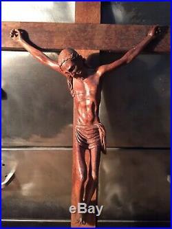 Crucifix Ancien Bois Sculpté L 42 Cm