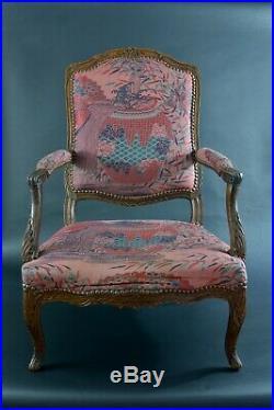 Grand fauteuil Ancien d'époque Louis XV Dos plat Bois sculpté sv. Jean Avisse