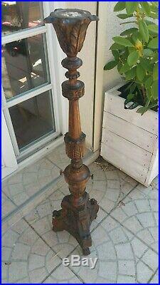 Grand pique cierge en bois sculpté ancien