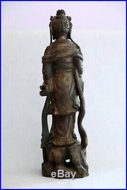 Grande Figure En Bois Sculpté Polychrome D'une Déesse Chinois Ancienne