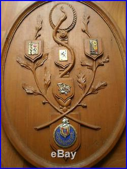 Insigne Gendarmerie Militaire Panneau Bois Sculpte Ancien 1973 Souvenir Carriere