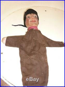 MARIONNETTE A GAINE ANCIENNE GUIGNOL en bois Lyonnais sculpté tilleul