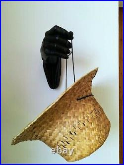 Main ancienne en bois sculpté, 21 x 17 cm environ
