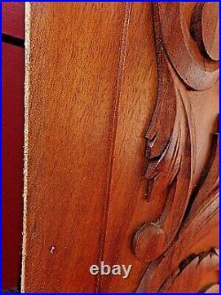 Paire de panneaux de portes anciennes-bois sculpté-déco blason -carved wood-