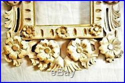 Paire de très beaux cadres anciens en bois sculpté d'époque 1900, à restaurer