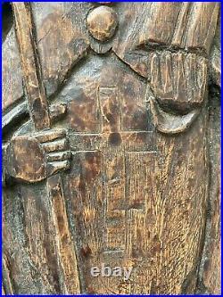 Panneau Bois Sculpté Ancien Personnage Évêque Mitre Crosse Saint Art Populaire