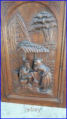 Portes Anciennes de Meuble en Bois sculpté-antilopes -carved wood-