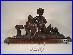 Rare ancien Fronton en bois noyer sculpté dessus armoire Décor Angelot Putti XIX