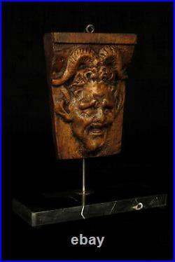 Rare ancienne miséricorde, stalle d'église bois sculpté / Art Populaire Diable