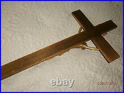 SUPERBE ANCIEN CRUCIFIX MURAL XXéme/JESUS BOIS SCULPTE/H. CROIX 70cm/H. JESUS 31cm