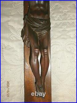 SUPERBE ANCIEN CRUCIFIX MURAL XXéme/JESUS BOIS SCULPTE/H. CROIX 84cm/H. JESUS 27cm