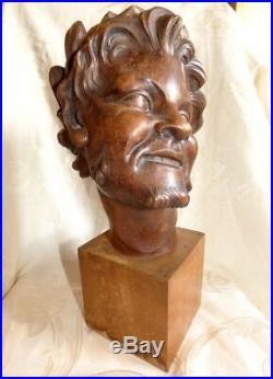 Sculpture Ancienne Tête de Diable / Faune Bus en Bois Sculpté signé J. Chartron