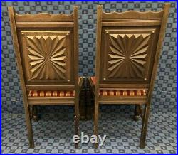 Série De 2 fauteuils et 2 chaises anciennes en bois massif sculpté