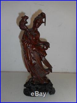 Statuette ancienne, Guanyin en bois sculpté. Chine. XIX°