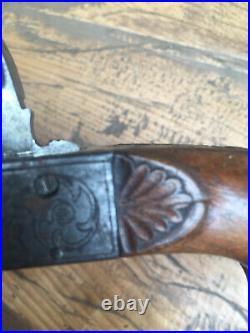 Superbe ancien pistolet De Botte à silex XIXe Bois Sculpté Et Metal