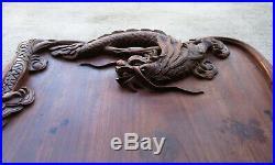 Superbe ancien plateau en bois sculpté à décor de dragons Chine ou Indochine