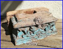 Très ancien socle / base pour statue orientale en bois sculpté 30 cm de long