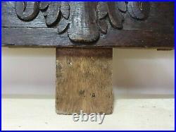 XVIII ème s, ancien grand fronton en bois sculpté